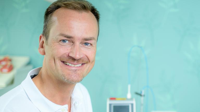 Zahnarzt Meerbusch, das Team: Portrait von Dr. Schmid-Hasemann