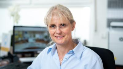 Zahnarzt Meerbusch - Nazer - Team - Kathrin Reuß